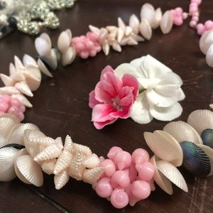 🎀EUC Pink and White Vintage Sea Shell Necklace🎀